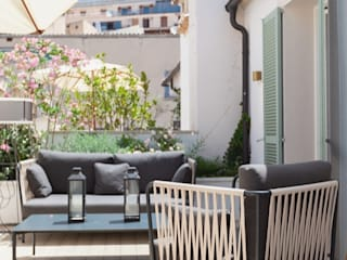 Klasik Balkon, Veranda & Teras FOCUS Arquitectura Klasik