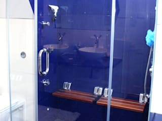 Frameless Glass in Wet Rooms Minimalist style bathroom by Ion Glass Minimalist