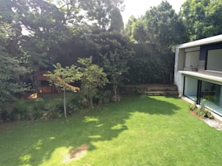 Jardines de estilo moderno de Patio Moderno