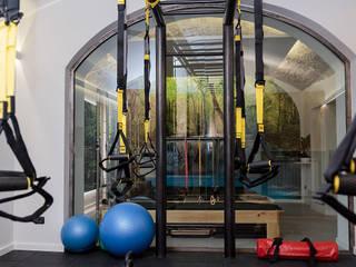 Moderner Fitnessraum von kuluridis Modern