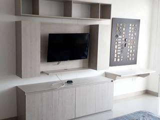 Centro de entretenimiento + Zona de trabajo en Casa de Etnia - Mobiliario e Interiorismo Minimalista