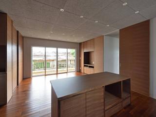 16坪の小さな家 モダンデザインの リビング の プラソ建築設計事務所 モダン