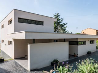 Modern houses by Esteve Arquitectes Modern