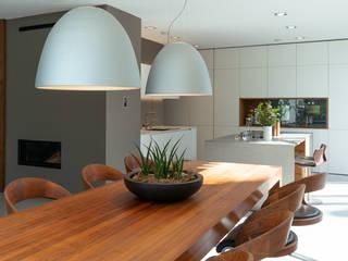 S63 | Haus mit Loggia Moderne Esszimmer von GRIMM ARCHITEKTEN BDA Modern