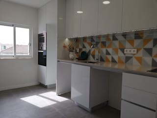 C evolutio Lda Kitchen units Chipboard Yellow