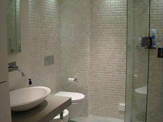 Casa de banho Banheiros modernos por AlexandraMadeira.Ac - Arquitectura e Interiores Moderno