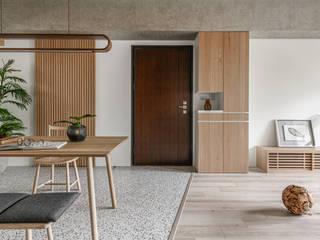 Skandinavischer Flur, Diele & Treppenhaus von 寓子設計 Skandinavisch