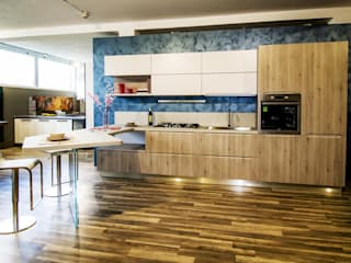 Cucina con maniglia integrata di Arredamenti Meneghello Srl Moderno