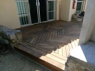 COROTU DISEÑO Y CONSTRUCCION SA DE CV Podłogi Lite drewno Brązowy
