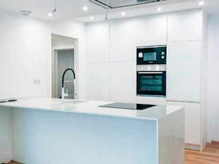 Modern kitchen by The Pont design Modern
