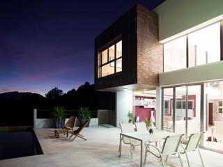 Balkon, Beranda & Teras Modern Oleh Barreres del Mundo Architects. Arquitectos e interioristas en Valencia. Modern