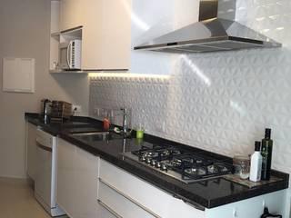 Scandinavian style kitchen by NEUSA MORO Scandinavian