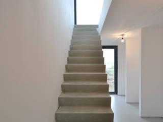 Villa Oosterwold Moderne gangen, hallen & trappenhuizen van ARCHiD Modern