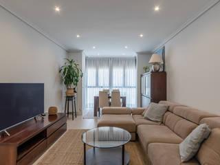 Reforma Integral de vivienda en Vallecas Salones de estilo moderno de Loema Reformas Integrales Madrid Moderno