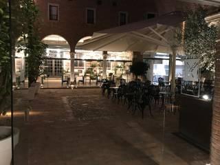 Le Corti del Maxxim - Ferrara Bar & Club moderni di Andrea Dolcetti Design Moderno