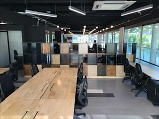 Entorno Estudios Office spaces & stores Chipboard Wood effect