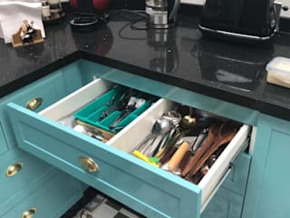 Entorno Estudios KitchenCutlery, crockery & glassware Chipboard Turquoise