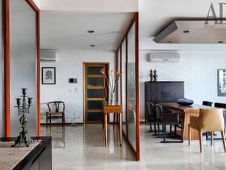 motihar residence. pinnacle apartment. gurgaon Minimalist dining room by MOVA1 Minimalist