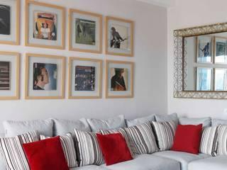 motihar residence. pinnacle apartment. gurgaon Minimalist media room by MOVA1 Minimalist