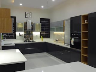 Kitchen at Rampur | Uttar Pradesh Modern kitchen by Studio Square Design Co. Modern