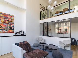Atelier d'artiste rue St Senoch 75017 Paris Salon moderne par Philippe Conzade Moderne
