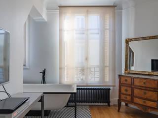 Appartement rue Guersant 75017 Paris par Philippe Conzade Moderne