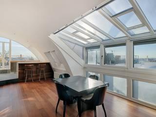 Appartement rue de Téhéran 75008 Paris Salon moderne par Philippe Conzade Moderne