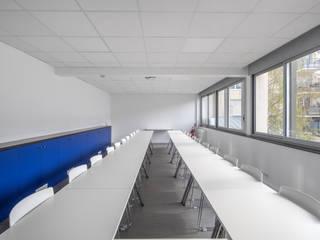 Bureaux SFMN rue Ponscarme 75013 Paris Bureau moderne par Philippe Conzade Moderne