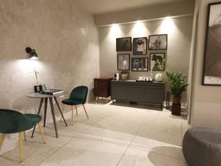 Locaux commerciaux & Magasin modernes par MONICA SPADA DURANTE ARQUITETURA Moderne