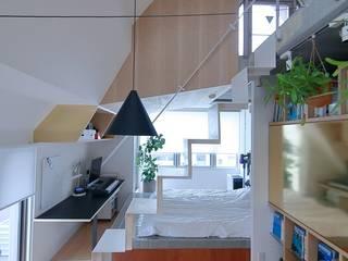 天王寺時々NewYorke studio m+ by masato fujii モダンデザインの リビング