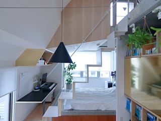 studio m+ by masato fujii Salones de estilo moderno