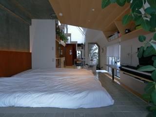 天王寺時々NewYorke studio m+ by masato fujii モダンスタイルの寝室