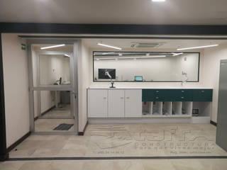 Laboratorio Climatización de CONSTRUCTORA TAFRA, S. A. DE C. V. Moderno Metal