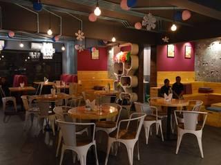 Conversation Cafe, BTM Layout: modern  by Anza Design Studio,Modern