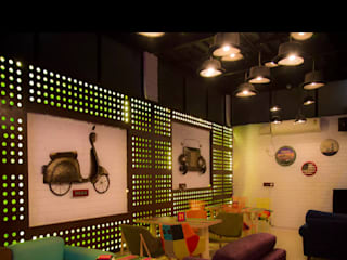 Bhaithak Cafe: minimalist  by Anza Design Studio,Minimalist