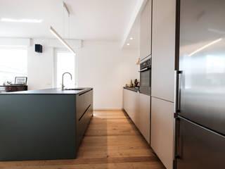 giorgio davide manzoni Modern kitchen