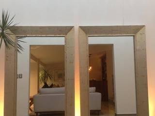Pasillos, vestíbulos y escaleras de estilo moderno de CC Blank Studio Moderno