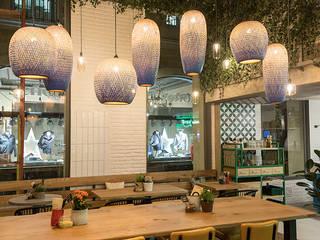 Restaurante Oassis Gastronomía de estilo moderno de Cubiñá, muebles de diseño en Barcelona Moderno