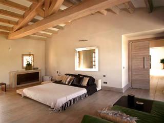 Palma de Mallorca Dormitorios de estilo moderno de Alicia Peláez Sevilla - Interiorismo y Decoración Moderno