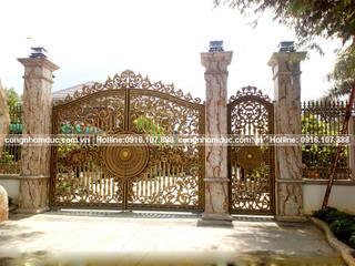 Cổng nhôm đúc Nam Định - nhôm đúc Trường Tâm: cổ điển  by Công ty TNHH Asuzac miền Bắc, Kinh điển
