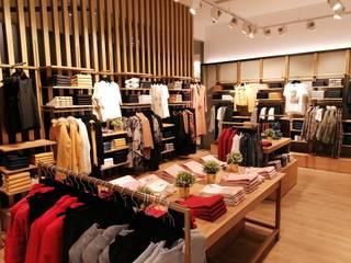 Espaço Comercial - Loja Forte Store - 8º Avenida Espaços comerciais clássicos por Buum Design Studio Clássico