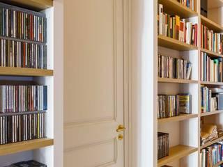 Obra de reforma en Gran Vía de las Corts Catalanes, Eixample, Barcelona Pasillos, vestíbulos y escaleras de estilo minimalista de Marina Sezam Minimalista