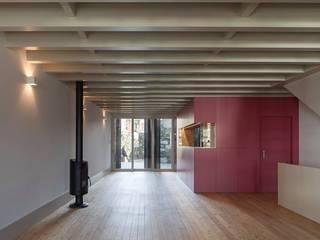 Casa das Gelosias por Carpintaria Senhora da Paz, Unipessoal Lda Moderno
