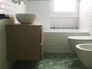 YANN Srl Modern bathroom Concrete Green