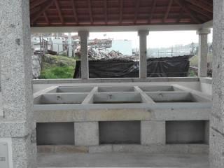 Pedro Nogueira Gonçalves Construções Classic style balcony, veranda & terrace Granite