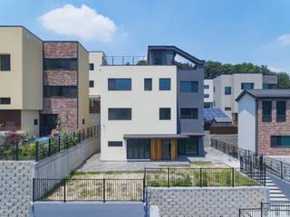 용인에 위치한 '도란도란' 3층 단독주택 by 한글주택(주) 모던