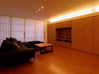 「IGAKANBE」伊賀神戸の家 和風デザインの リビング の CN-JAPAN/藤村正継 和風