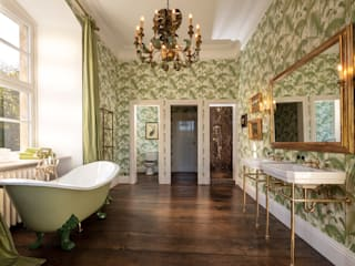 Classic style bathrooms by Traditional Bathrooms GmbH Classic