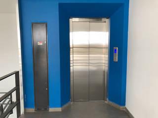 Espaces de bureaux minimalistes par Elevadores Altius SA de CV Minimaliste
