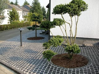 Pflasterarbeiten mit Naturstein Garten- und Landschaftsbau Christian Holm